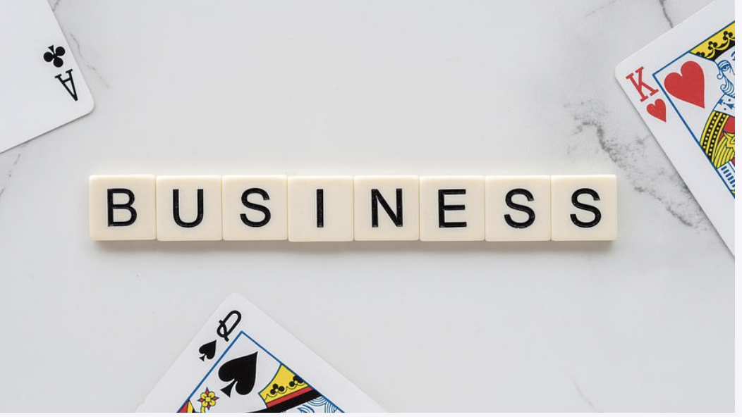 how online and offline businesses work